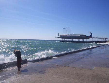 Шторм в Ялте, волна, Крым